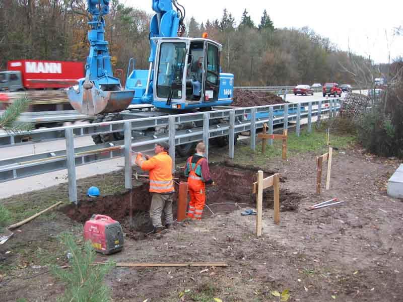 Fundamentarbeiten für eine Kontrollbrücke der LKW-Maut