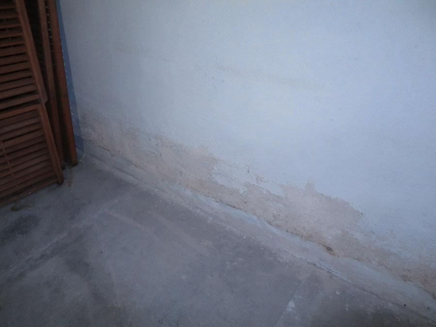 Feuchtigkeitsspuren im Untergeschoss