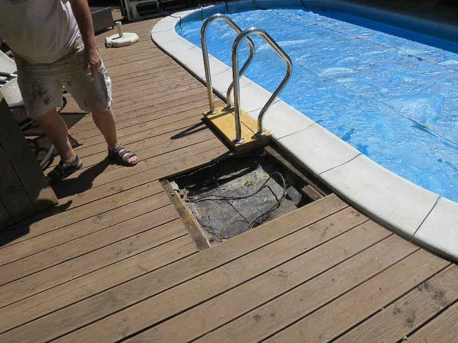 Rückstau aus einem Bach in den Swimmingpool und den Keller durch fehlenden Rückstauverschluss